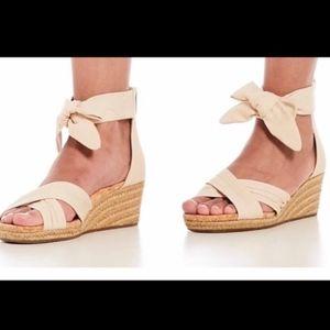 NEW. Ugg Traci Espadrille Wedge Sandal Cream sz 7